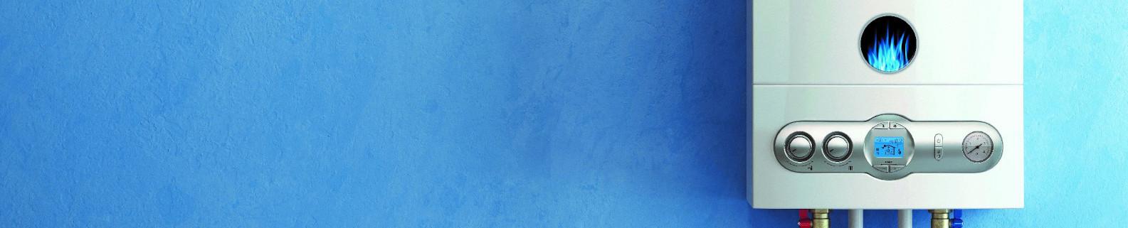 Gasheizung an blauer Wand