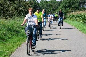 Menschen bei Radtour
